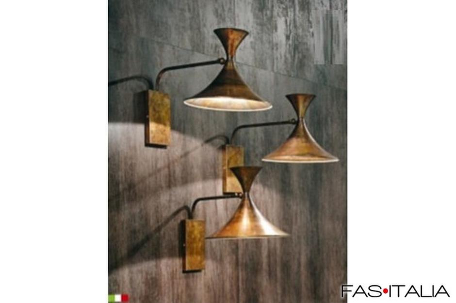 Lampada applique vintage in ottone brunito
